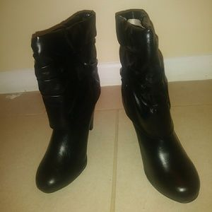 Qupid ruched booties